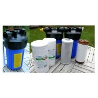 3 filterhuse 10'' x 4.5'', 1'' gevind: 1 sedimentfilter, 1 kulblokfilter og 1 okkerfilter